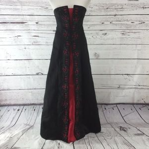 Black and Red Strapless Formal Prom Dress